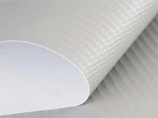 Печать на баннерной ткани литой